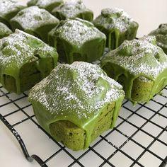 Food Trucks, Baking Recipes, Dessert Recipes, Desserts, Mini Loaf Cakes, Cake Story, Matcha Dessert, Dessert Packaging, Cafe Food