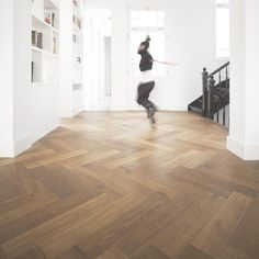 "Massive Herringbone Parquet Flooring 32"" 800x120x21mm Solid Oak Fishbone in Home, Furniture & DIY, DIY Materials, Flooring & Tiles | eBay"