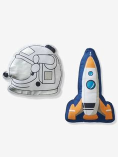 A set of 2 cushions in the shape of an astronaut helmet and a rocket to carry your child away on extra(terrestrial) adventures! Your child can choose to have fun and play with these super cute cushions or use them to decorate the room! Toddler Boy Birthday, Toddler Boy Gifts, Gifts For Boys, Toddler Boys, Boy Wall Art, Nursery Wall Art, Nursery Decor, Bedroom Themes, Kids Bedroom