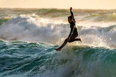 d16754876c SURF Y OLAS. FOTO POR GUY KAWASAKI EN UNSPLASH - SURFER RULE