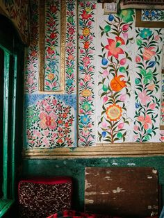 bohemianhomes: Bohemian Homes: Hand Painted Indian Botanical. (Bohemian Homes) Bohemian House, Bohemian Decor, Bohemian Gypsy, Textures Patterns, Print Patterns, Indian Patterns, Floral Patterns, Interior Inspiration, Design Inspiration