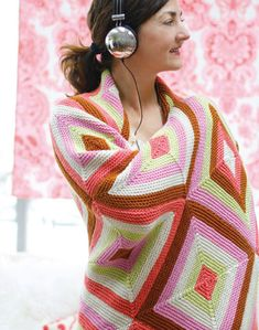 Knit this diamond pattern afghan; a bright and colourful accessory which was designed by Amy Butler. Free diamond garter knitting pattern
