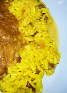 South African Yellow Rice South African Yellow Rice from : This is a traditional South African recipe, which comes from the great culinary tradition of the Cape Malays -- originally brought in as slaves in the century. It's easy and plain, b South African Dishes, South African Recipes, Ethnic Recipes, Yellow Rice Recipes, Nigerian Food, Thinking Day, Pasta, Rice Dishes, Main Dishes