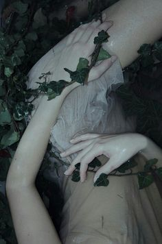 The Book tells the story of a young witch who's goal is to raise the dark magic to her will and set the shadows of darkness free to different bodies to contro. Elfa, Gothic Aesthetic, Aesthetic Body, Character Aesthetic, Southern Gothic, Dark Photography, Faeries, Aesthetic Pictures, Character Inspiration