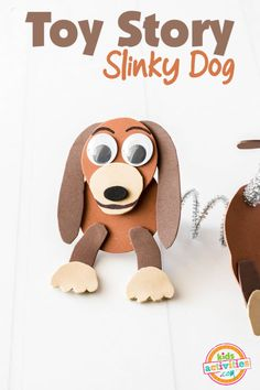With the release of Toy Story 4 our kids have been wanting to make all sorts of fun Toy Story crafts and our newest creation is Slinky Dog that is easy to make! Toy Story Slinky Dog - An Easy Toy Story Craft Toy Story Theme, Toy Story Birthday, Toy Story Party, Toy Story Crafts, Dog Crafts, Fall Crafts, Movie Crafts, Slinky Toy, Toy Story Slinky