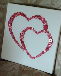 Kids enjoy making valentine crafts and they will have a wonderful time doing this. So enjoy this valentine's day with your beloved by doing these crafts. Crafts To Make, Fun Crafts, Hobbies And Crafts, Arts And Crafts, Valentines Day Decorations, Valentine Day Crafts, Holiday Crafts, Valentines Bricolage, Diy Buttons