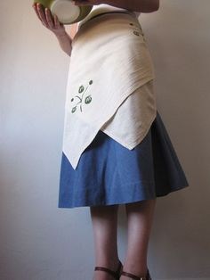 towel wrap apron...great way to 're-use' hand embroidery dish towels.