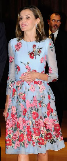 Letizia - Carolina Herrera sky blue floral dress Floral Fashion, Petite  Fashion, Queen Letizia 847d8297c3