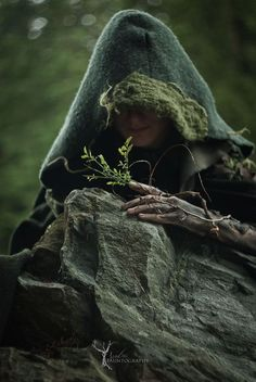 ☽O☾ The Witch Within ☽O☾ pagan novel by Iva Kenaz - moods Fantasy Inspiration, Story Inspiration, Writing Inspiration, Character Inspiration, Wood Elf, Witch Aesthetic, Dnd Characters, Fine Art, Faeries