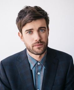 Men's Grooming on this handsome fella for 📷 styling Beautiful Eyes, Beautiful People, Jack Whitehall, Actor Photo, Having A Crush, Men's Grooming, Your Boyfriend, Celebs, Celebrities