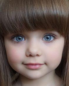 "Meet Gorgeous Anastasiya Knayazeva Also Known As ""World's Most Beautiful Kid"" - Slydor - Your Daily Dose Of Fun. Beautiful Little Girls, World's Most Beautiful, Beautiful Children, Beautiful Eyes, Beautiful Babies, Baby Kind, Cute Baby Girl, Cute Babies, Pretty Eyes"
