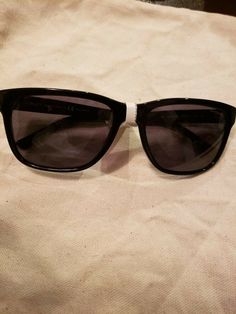 4ab9eb9cc40b0 Versace MOD 4249 GB1 81 Unisex Black Sunglasses Polarized New NO CASE   fashion