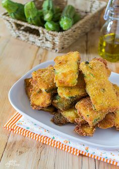 Zucchine impanate fritte Frittata, Chicken Wings, Zucchini, Anna, Veggies, Meat, Ethnic Recipes, Contouring, Oven