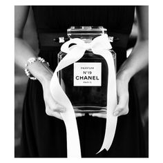 Inspiration {Black and White Photography} ❤ liked on Polyvore featuring backgrounds, photos, pictures, chanel and pics