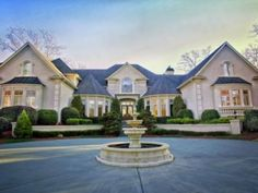 Wow House Galleries in Georgia: Lakefront, Mediterranean Mansion, White-Sand Island and More #realestate #realestateagent #realestatemarket #investinGA