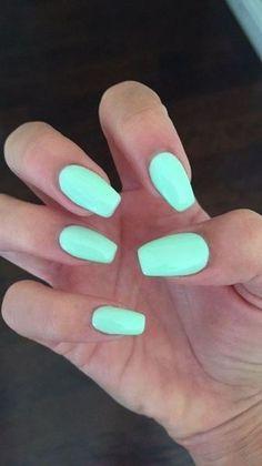 Semi-permanent varnish, false nails, patches: which manicure to choose? - My Nails Acrylic Nail Designs, Nail Art Designs, Acrylic Nails, Coffin Nails, Nails Design, Mint Nails, Red Nails, Gelish Nails, Nail Nail