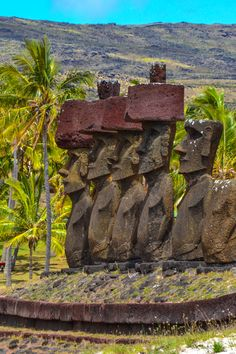 Moai on Anakena Beach - Easter Island, Chile - One of the world's most incredible (and remote!) islands, Easter Island is definitely a Bucket List destination. Machu Picchu, Easter Island Travel, Easter Island Statues, Easter Island Moai, Travel Around The World, Around The Worlds, Argentine, Ancient Ruins, Tahiti