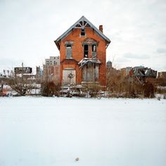 100 Abandoned Houses by Kevin Bauman, via Behance