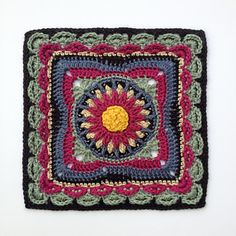 Meet Lucy (and George) - the second installment to the Lovestruck collection, a series of twelve star-crossed afghan blocks sure to melt your heart.