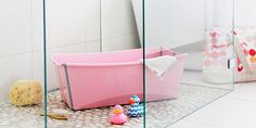 The perfect baby shower gift - Stokke Flexi Bath Babys First Bath, Baby Tub, Baby Sleep Schedule, Space Saving Storage, Baby Arrival, Nursery Design, Baby Registry, Having A Baby, Baby Gear