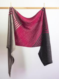 Paint the Town is a colourwork scarf, knit from end to end using three colours of fingering weight yarn. This bias knit stockinette stitch design has striped sections and garter stitch borders. Instructions are included for both striped and solid scarves. Enjoy!
