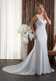 Sheath gown wedding dress | Bonny Bridal 700 | http://trib.al/VQ2uXGV