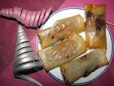 Pour 4 nems : - 2 feuilles de bricks - 1 banane - 8 carrés de chocolat ou des pistoles Préchauffer le four th 6 ou 180°. ... Dairy, Cheese, Four, Desserts, Banana, Food Porn, Dish, Food, Kitchens