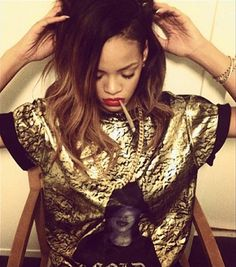 Rihanna lights up: Singer snaps another photo of herself smoking ...
