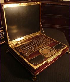 http://fashionpin1.blogspot.com - Steampunk Laptop