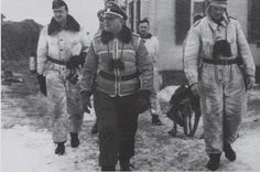 Курт Мейер и Йозеф «Зепп» Дитрих в Харькове, 1941