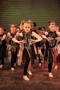 In Pictures: The Lion King roars into life at The King's School - Chester Chronicle Lion King Play, Lion King Show, Lion King Jr, Lion Of Judah, Rafiki Costume, Lion King Costume, Kings School Chester, Diy Costumes, Dance Costumes
