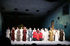 """고대 그리스 비극 메디아 창극과 국립극장,    """"죄를 짓는 것은 남자, 버림 받는 것은 여자"""" 2천5백 년 전 고대 그리스 3대 비극작가인 에우리피데스 (Euripides)의 대표작 '메디아 (Medea)'가 한국에서 창극(唱劇)으로 다시 태어났다. 국립극장 http://www.ntok.go.kr/english/ 메디아  http://www.kocis.go.kr/koreanet/view.do?seq=1719  관람후 근처의 족발집에서.....  우리들한의원 홈피 Wooreedul Korean Medicine Clinic English HP http://www.iwooridul.com/english 日本語HP http://www.iwooridul.com/japan  사상체질진단가능 free app. sasang diagnosis program. http://www.iwooridul.com/app-update"""