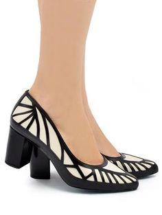 c46c589321 7 melhores imagens de Sapatos noiva - baixos