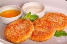 Морковно-яблочные сырники в ванильном соусе - на сайте MamaExpert.ru - все о беременности, родах, грудном вскармливании, детском здоровье, развитии, питании.