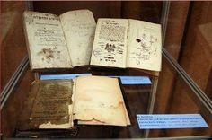 """Mariano José de Larra (1809-1837) Escritor español.  """"Estar a solas con un buen libro es ser capaz de comprenderte más a ti mismo""""."""