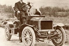 William Murchie of Newton Stewart, Wigtownshire, was typical of the early Scottish car makers. He built this car in 1904 and several motorcycles before becoming a dealer for Ford and Austin.