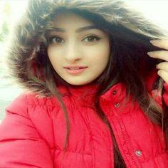 Cute Girl Photo, Girl Photo Poses, Girl Photos, Stylish Girl Images, Stylish Girl Pic, Crazy Girls, Cute Girls, Senior Girl Poses, Pakistani Girl