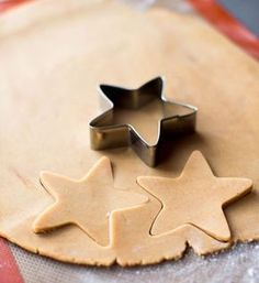 The world's best recipe for Christmas cookies, which is urgently to discover - Noël - noel Easy Cake Recipes, Cookie Recipes, Snack Recipes, Cinnamon Cream Cheeses, Cinnamon Cream Cheese Frosting, Cookies Et Biscuits, Chip Cookies, Best Christmas Cookie Recipe, Christmas Recipes