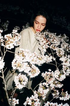 ❀ Flower Maiden Fantasy ❀ beautiful art fashion photography of women and flowers - white night fleurs Grunge Photography, Flash Photography, Photography Women, Portrait Photography, Night Time Photography, Urban Fashion Photography, Photography Basics, Inspiring Photography, Scenic Photography