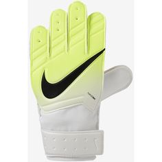 Nike Goalkeeper Match Junior Football Glove features padding to cushion your hands from ball impact and give grip on fast-spinning balls in wet or dry conditions. Top Soccer, Kids Soccer, Soccer Cleats, Kids Football, Goalie Gloves, Football Gloves, Black Queen, Jr Sports, Soccer Store