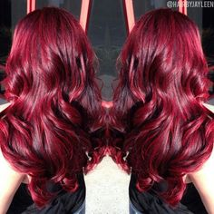 sublime colors for this winter: trendy hair color patterns winter New Hair Color Ideas Red Violet Hair, Red Brown Hair, Bright Red Hair, Red Hair Color, Hair Colors, Burgundy Red Hair, Cherry Red Hair, Color Red, Curly Hair Care