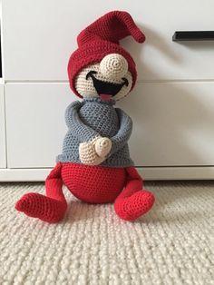 Crochet ideas that you'll love Crochet Christmas Trees, Holiday Crochet, Christmas Crafts, Crochet Bunny, Love Crochet, Crochet Dolls, Amigurumi Patterns, Knitting Patterns, Crochet Patterns