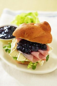 Blueberry Chutney -- The health benefits of blueberries are even bigger than you might know. With just 80 calories per cup and virtually no fat, blueberries are a smart choice. #littlechanges