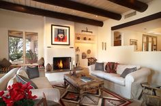 Find southwestern decor and tons of southwestern decorating ideas. Stunnning images of southwestern style rooms with tips on how to achieve this look.