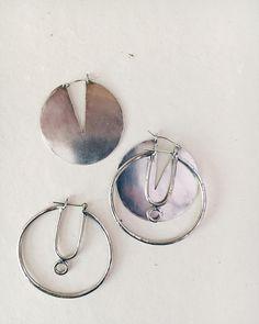 Silver draws down the moon 〰✋️🌕🤚〰 http://laurelhill.me/2q9PBq4
