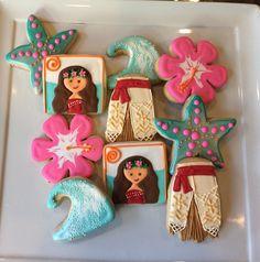 Moana inspired cookies- IG @tressweet Moana Birthday Party, Hawaiian Birthday, Moana Party, 3rd Birthday Parties, Cookies For Kids, Cute Cookies, Cupcake Cookies, Cupcakes, Moana Cookies