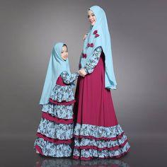 Jennifer syari by NAF Mom and kid  Harga 700.000 ( Mom and Kids)  Tidak bisa terpisah Ready Stock  Dress mom :  Busui, cantik, variasi crepe motif kerut keliling 3tumpuk bagian bawah. Kerudung syar,i. Variasi pita Size mom : P.140cm, LD 104cm.  Dress kid : dress tumpuk 4.  Kerudung syari Variasi pita2 kecil  Bahan dress : wolly crepe Bahan variasi : crepe motif printing Size anak :  panjang 100cm, LD 74, pinggang 70,  P. tangan 42cm  Line @kni7746k Wa +62896 7813 6777  Telegram…