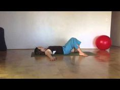 The 8 Best Stretching Exercises For Inflexible People - Simplemost Upper Back Stretches, Calf Stretches, Stretches For Flexibility, Best Stretching Exercises, Foam Roller Exercises, Chair Exercises, Personal Project Ideas, Arm Work, How To Do Splits
