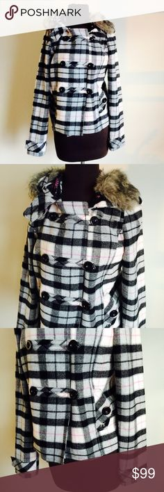 ❗️PINK Victorias Secret Wool Plaid Coat ❗️PINK Victoria's Secret Wool Blend Hooded Plaid coat. In great like new condition. Size medium. Soft pink & black PINK P lining. Fur around hood that is removable. Make an offer! Selling to first offer--I consider all reasonable offers on individual items & give great bundle deals. New Year cleanout sale ;-) PINK Victoria's Secret Jackets & Coats