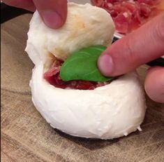 The Stuffed Mozzarella, The stuffed mozzarella ! Cut a lid in the mozzarella ball and remove some of the inside. Italian Entrees, Italian Recipes, Mozzarella, Cheese Recipes, Cooking Recipes, Tapas, Buzzfeed Food Videos, Protein Shake Recipes, Dessert For Dinner